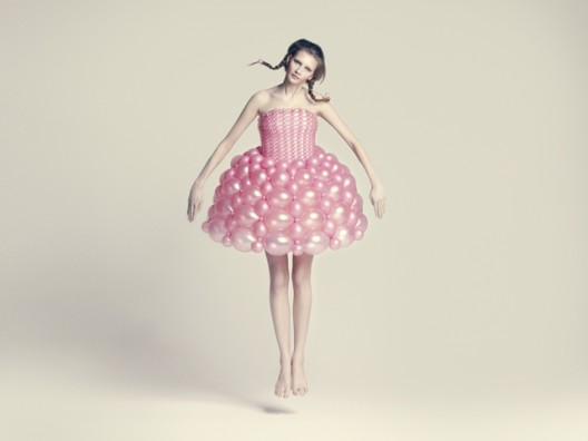 balloon dress by ria hosokai