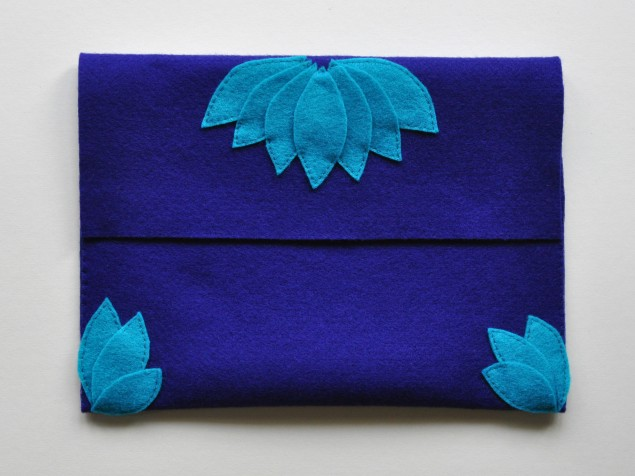 how to make a felt clutch tutorial 10