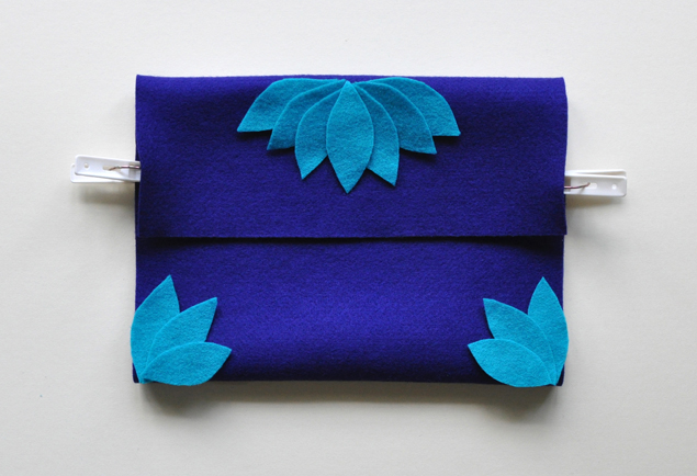 how to make a felt clutch tutorial 5
