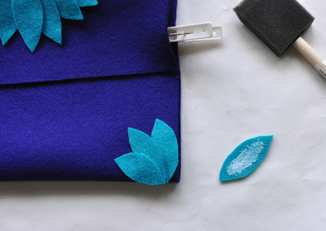 how to make a felt clutch tutorial 6
