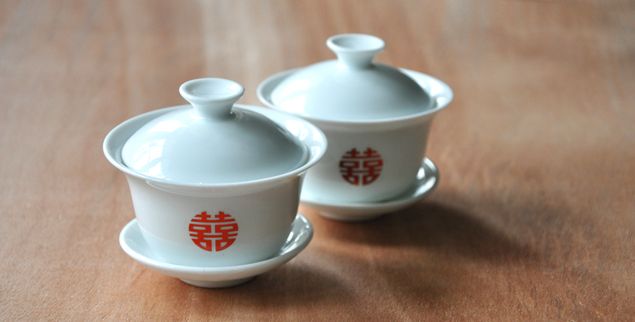 Stick on double happiness stickers for a DIY chinese wedding tea cup and pot set | micheleng.com