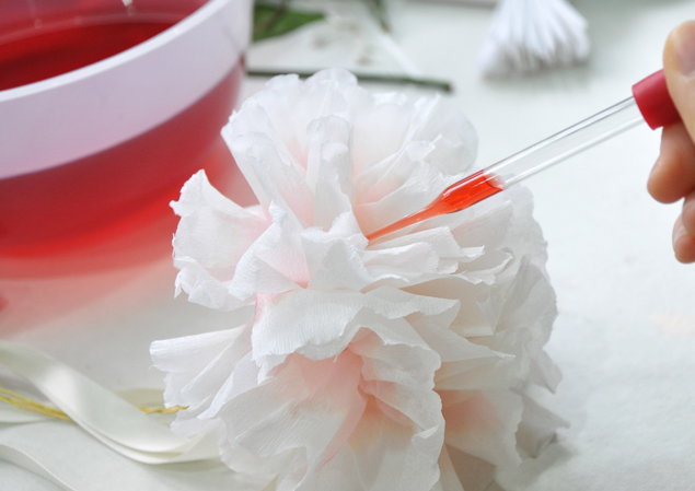 How To Dye Paper Flowers