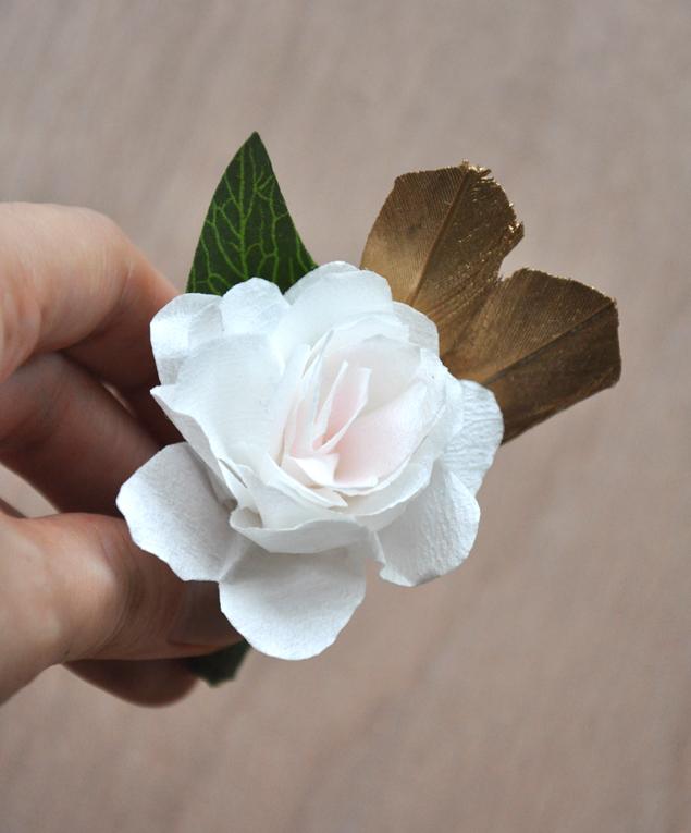 paper flower boutonniere | micheleng.com